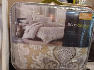 Queen or twin set sheets for Sale in Modesto, CA