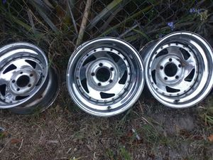 5 lug 15 in full size Chevy rims for Sale in Tavares, FL