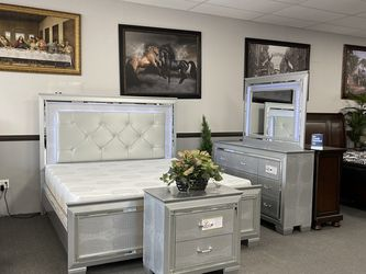 4PC LED Queen Bedroom Set 🔥 for Sale in Fresno,  CA