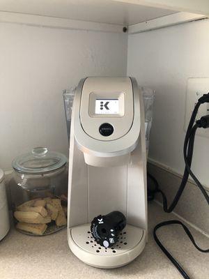 Keurig 2.0 AND Keurig Reusable K-Cup + 1 unused water filter for Sale in Arlington, VA