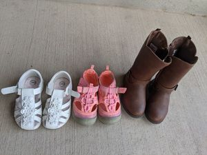 Bundle of shoes for toddlers for Sale in Rio Rancho, NM