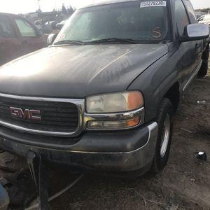 Parts For GMC Sierra 2001 Por Partes for Sale in Fresno, CA