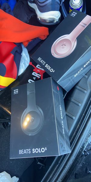 BEATS SOLO 3 brand new for Sale in Brooklyn, NY