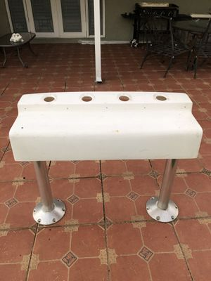"""Leaning post 36"""" by 14"""" for Sale in Miami, FL"""
