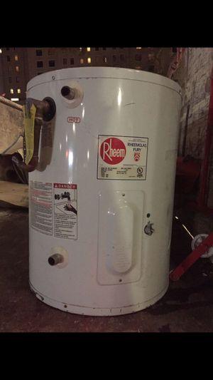 19.9 Gal. Water Heater for Sale in Coronado, CA