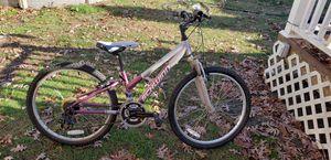 Schwinn girls bike with gears for Sale in Massapequa Park, NY