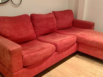 Red sectional couch — Cheap Price! for Sale in San Francisco,  CA