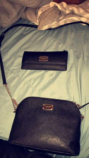 Michael Kors Set for Sale in Middletown, OH