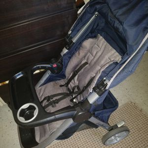 Eddie Bauer car seat and stroller combo for Sale in Gainesville, FL