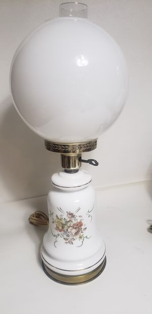 Vintage antique parlor hurricane lamp for Sale in Orlando, FL