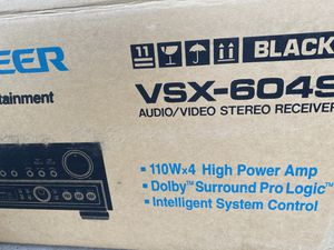Pioneer VSX powered amp/receiver for Sale in Madera, CA