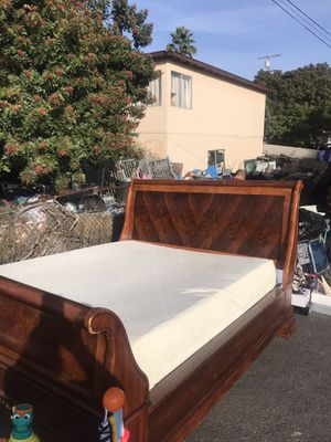 King bed for Sale in Chula Vista, CA
