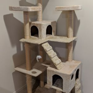 Cat Tree for Sale in Tacoma, WA