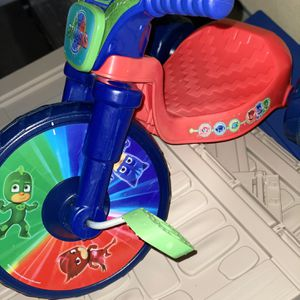 Play house that can be assembled, small PJ max bike for Sale in Windermere, FL
