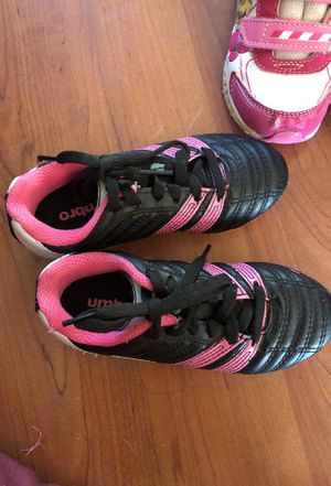 Girls soccer shoes size 10c for Sale in Payson, AZ