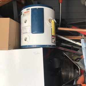 Water Heater Whirlpool for Sale in Stockton, CA
