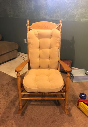 Rocking chair for Sale in Strongsville, OH