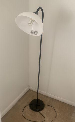 Floor lamp for Sale in Orlando, FL
