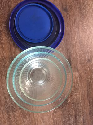 Pyrex sculpted glass mixing bowls (10 cup, 7 cup, 3 cup) for Sale in Sunnyvale, CA
