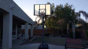 Adjustable Outdoor Basketball Hoop (Up to 10 ft) for Sale in Chandler, AZ
