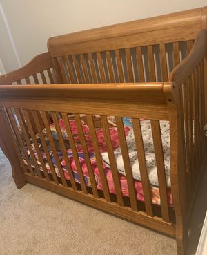 Like new crib without mattress for Sale in Houston, TX