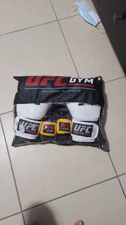Ufc boxing gloves for Sale in Lockhart,  FL