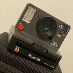 Polaroid Originals OneStep 2 VF, With carrying case for Sale in Hackettstown, NJ