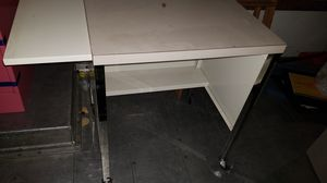 Metal Desk With Wheels for Sale in Kent, WA