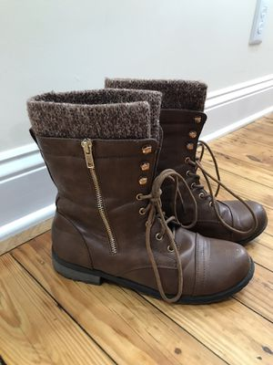 forever 21 women's boots size 10 for Sale in Johnson City, TN