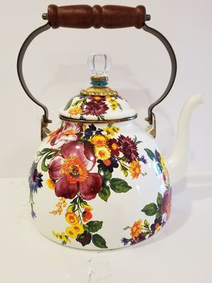 New MACKENZIE CHILDS Flowers Market, 3 quarts Tea Kettle (never used) for Sale in Miami, FL