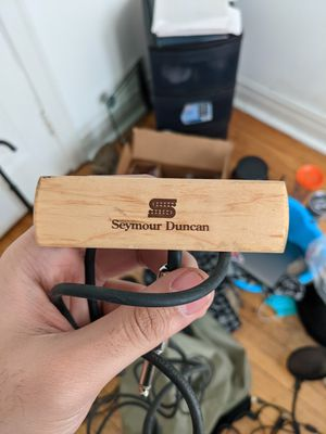 Seymore Duncan acoustic guitar pickup for Sale in Chicago, IL