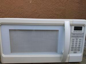 Hamilton Beach 1000 Watt Microwave for Sale in Winter Haven, FL