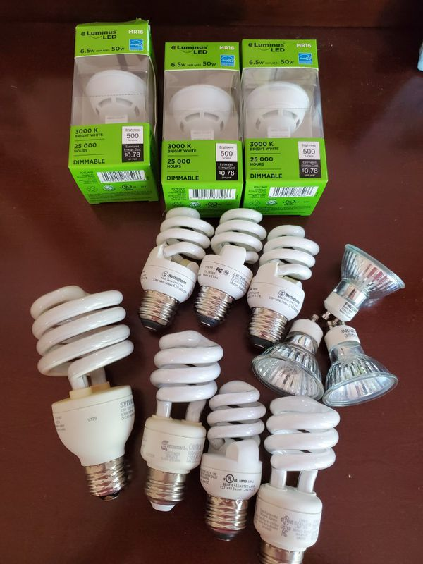 Pending pick up Free light bulbs