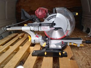 Chicago Electric 12 In. Dual-Bevel Sliding Compound Miter Saw for Sale in Bonanza, OR