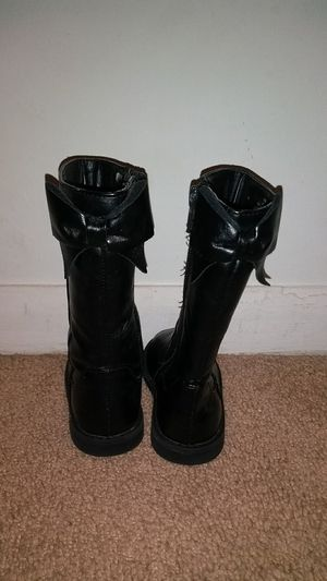 Toddler girl boots size 4 for Sale in Hopewell, VA
