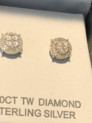 Diamond stud earrings for Sale in San Gabriel, CA