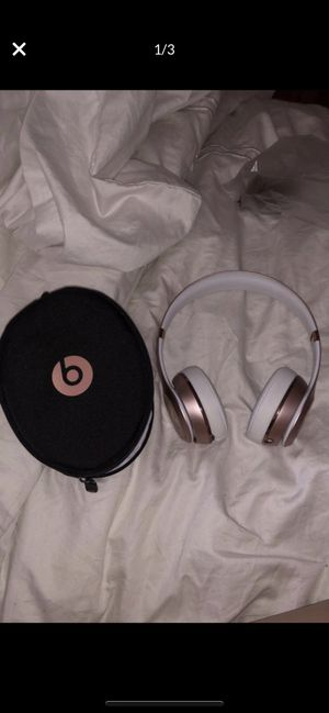 Series 3 Beats By Dr. Dre Wireless Bluetooth Headphones Rose Gold for Sale in Los Angeles, CA