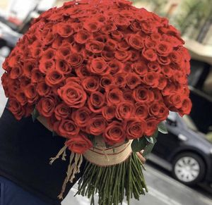 LUXE ROSES BOUQUET 🌹 for Sale in Bell Gardens, CA