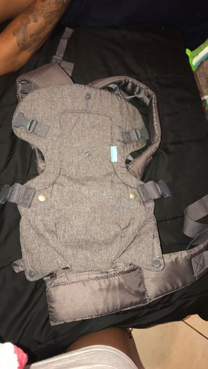 Baby carrier for Sale in Hollywood, FL
