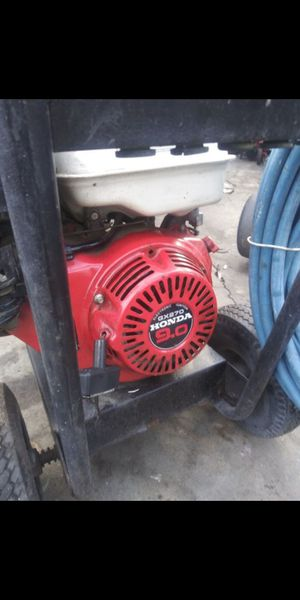 pressure washer graco honda gx270 9hp pump 4000psi heavy duty poweful pump fresh oil change on pump and motor ready 2 use for Sale in Bell Gardens, CA
