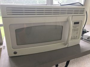 GE microwave for Sale in Oakland Park, FL