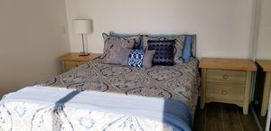 Wood queen bed for Sale in Irvine, CA