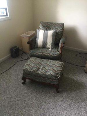 Vintage chair for Sale in Stevensville, MI