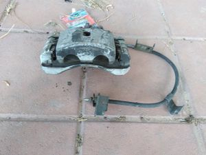 02-06 Escalade ext break caliper for Sale in Las Vegas, NV
