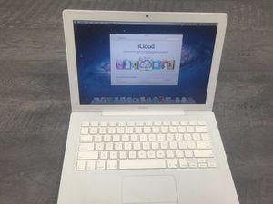 MacBook 2010 no charger for Sale in Hampton, VA
