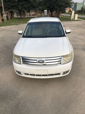 2008 Ford Taurus CLEAN w/ low miles and leather! for Sale in Houston, TX