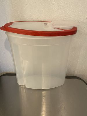 Rubbermaid Storage Container for Sale in Poway, CA