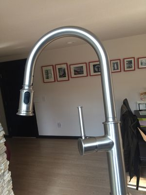 Kitchen pull down faucet Kraus for Sale in Everett, WA