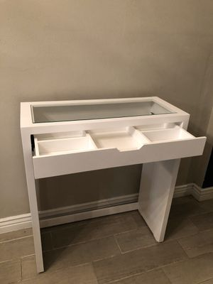 Glass top vanity desk for Sale in Phoenix, AZ