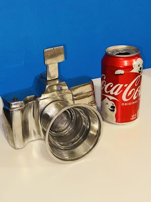 """Beautiful Life Size 6""""x6"""" Aluminum Pewter Camera.. Great For Your Collection for Sale in Castle Hills, TX"""